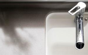 美しく、強く、長く使える人造大理石カウンター。トクラスオリジナルのカウンター